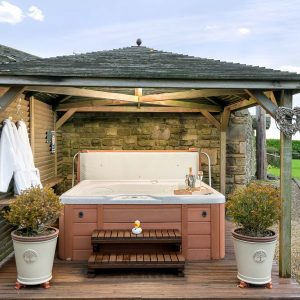Hot tub at higher Scholes cottage